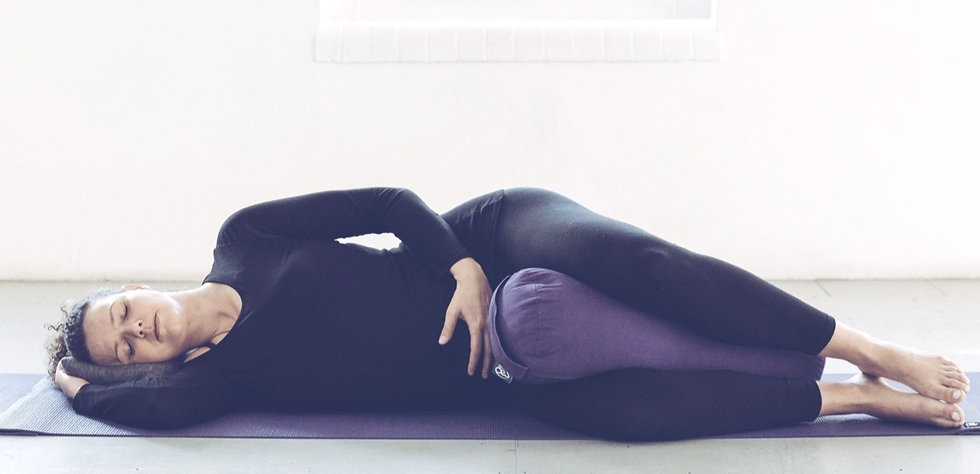 Barbara Yoga (21 of 23)_edited_edited_edited_edited_edited_edited.jpg