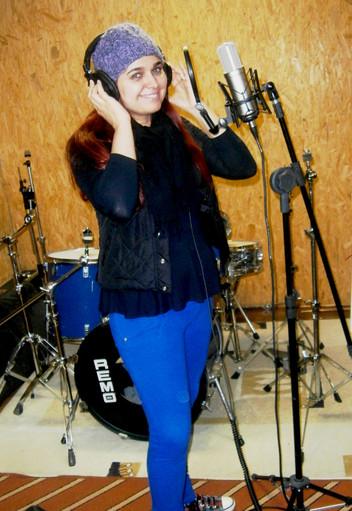 Angélica Rizzi é um dos artistas de música autoral mais pedidos pelo WhatsApp da Prime FM de SP