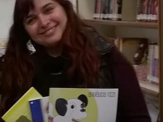 Angélica Rizzi participa da Feira do Livro da EMEF Jardim do Bosque