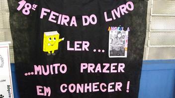 Angélica Rizzi na 18ª Feira do Livro da EMEF Castro Alves