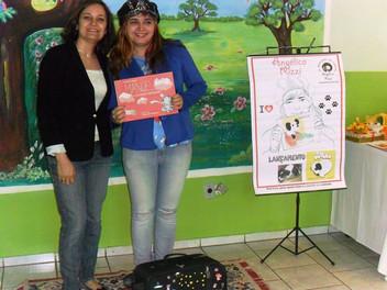 Angélica Rizzi participou da  XI Feira do Livro da EMEF Jardim do Bosque