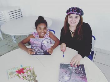 No dia 06 de dezembro estive realizando Hora do Conto , Bate-papo literário e autografando meu sexto