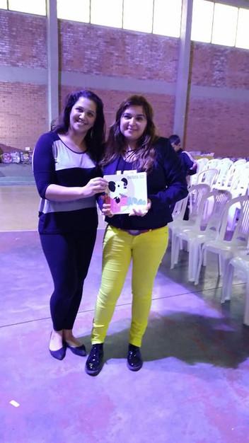 Angélica Rizzi na 4ª Feira do Livro do Harmonia que é também a 1º Feira do Livro da Escola Municipal
