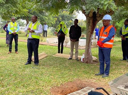 Lançada a Primeira Pedra de Construção da Sala VIP no Aeródromo de Chimoio
