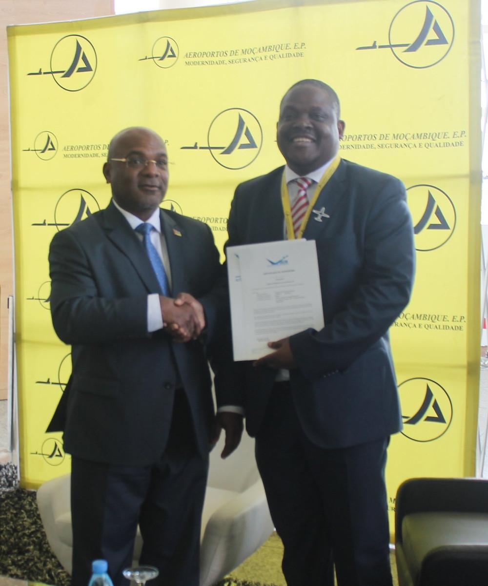 Entrega do certificado ao PCA da ADM
