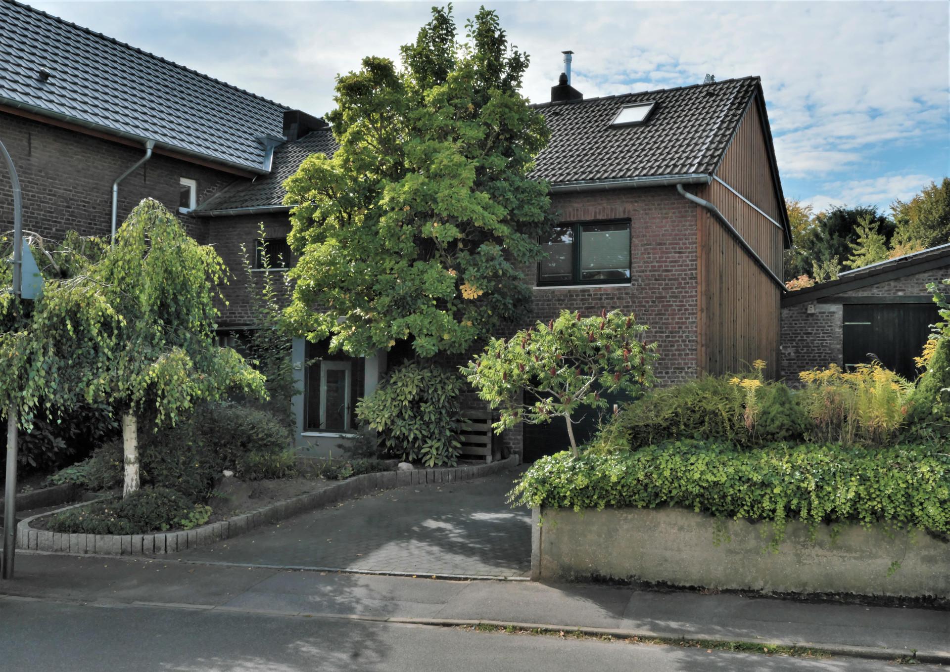 Familienfreundliches Einfamilienhaus mit großer Gartenfläche I Aachen-Vetschau
