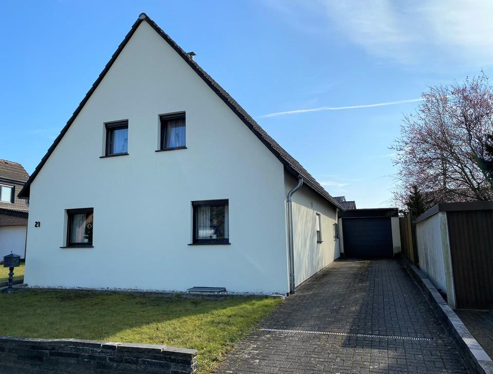 Freistehendes Einfamilienhaus inkl. großzügigem Grundstück in ruhiger und verkehrsberuhigter Wohnlage I Aachen-Alsdorf