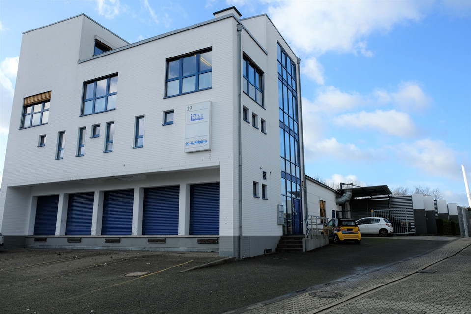 Attraktive Bürofläche mit optionaler Halle in zentral gelegenem Gewerbegebiet I Gewerbegebiet Grüner Weg