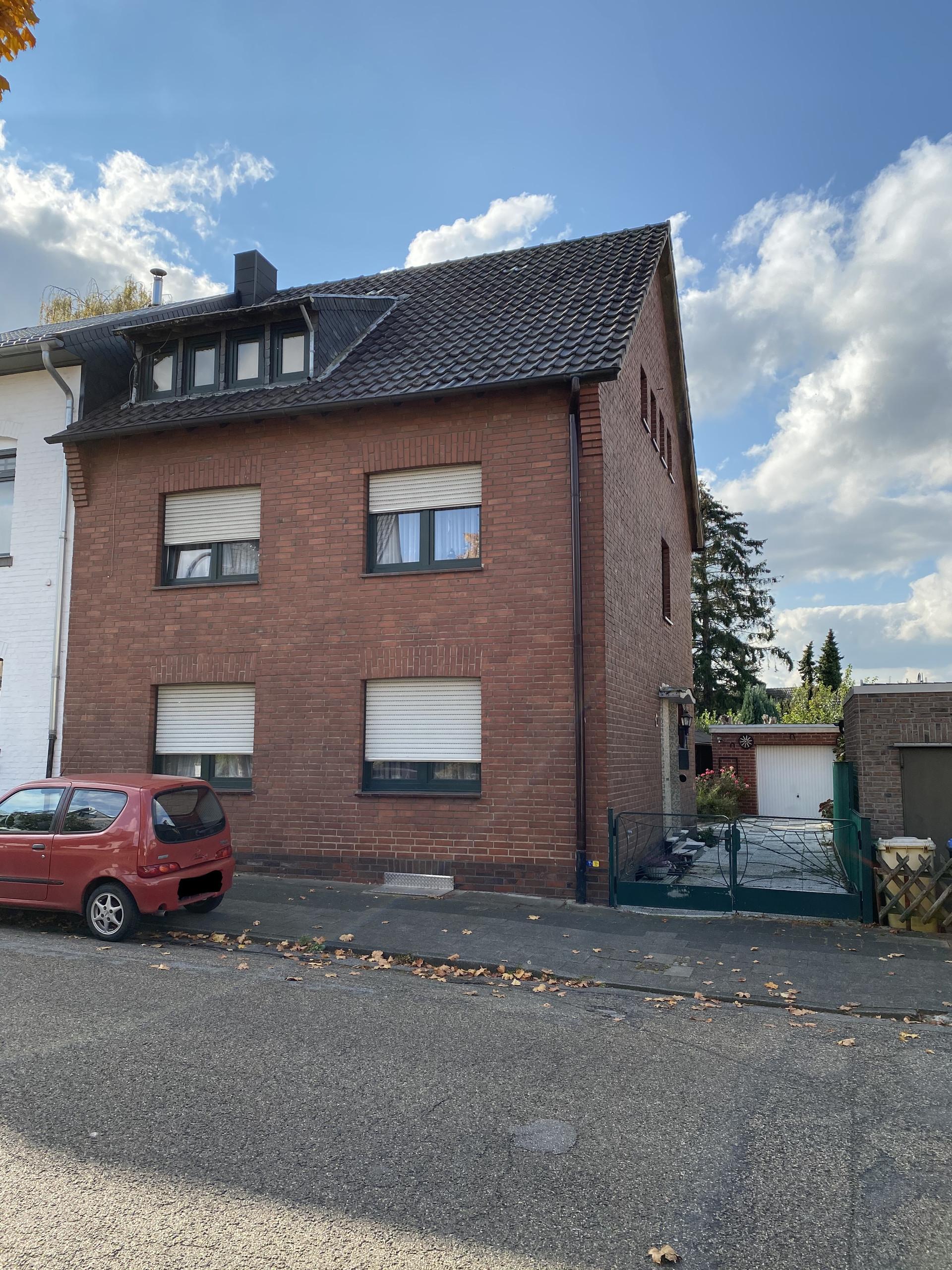 Ein-/Zweifamilienhaus in zentrumsnaher & familienfreundlicher Lage I Aachen-Herzogenrath