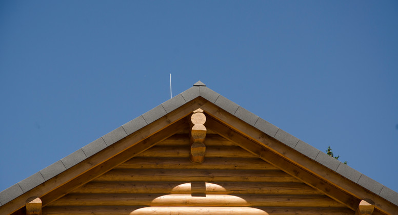 покрив от пластифицирана ламарина.jpg