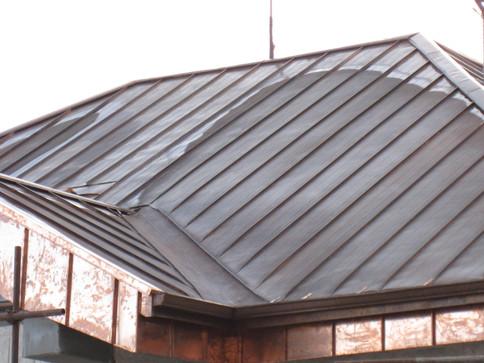 Медна ламарина покрив