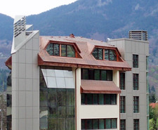 Бизнес сграда покрив от мед