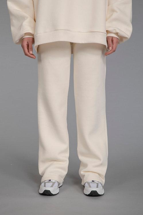 COMFEE. straight leg joggers - vanilla
