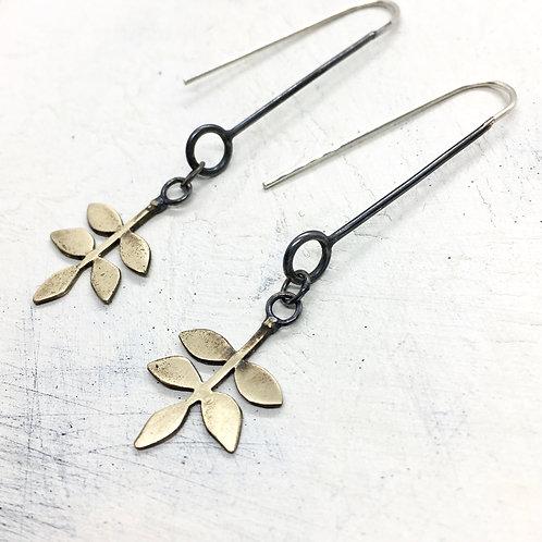 Bronze leaf on a black stalk - earrings