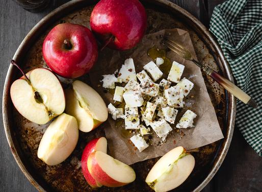 Salada de maçã com queijo fresco