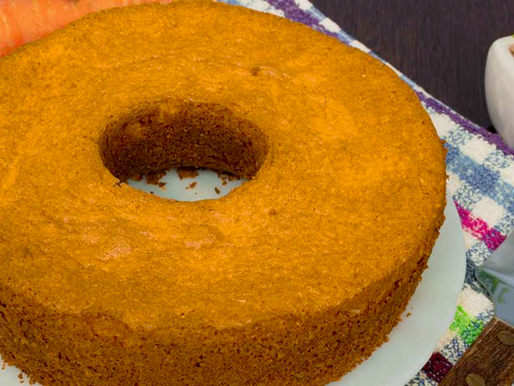 Bolo de cenoura com farinha de linhaça dourada