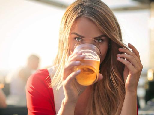 O consumo de bebidas alcoólicas pode estar a afetar o emagrecimento