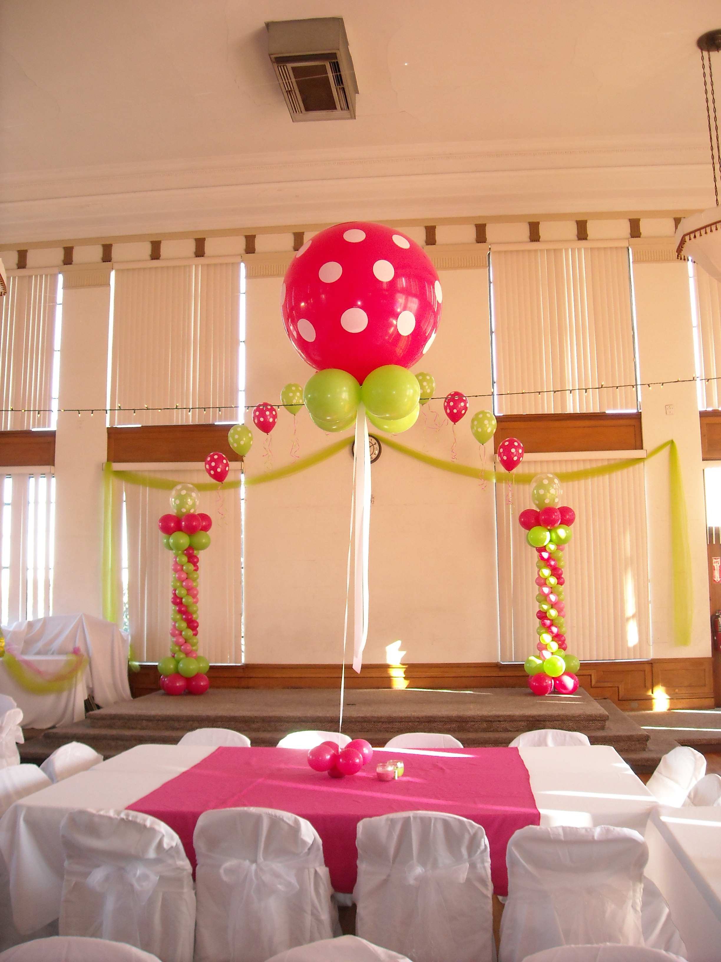 Polka Dot Centerpiece
