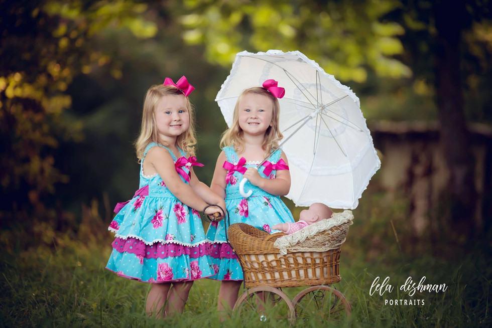 Jayla and Jenna- Twin Sister Session (Monticello, Somerset, Albany KY Photography)