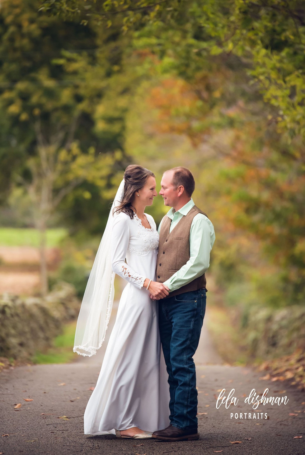 Cassie and Chris are Married! Monticello, Somerset KY wedding Photographer- Lela Dishman