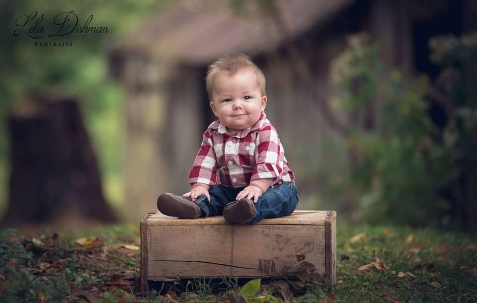 Cooper is 6 months! Monticello, Somerset KY Children's Photographer
