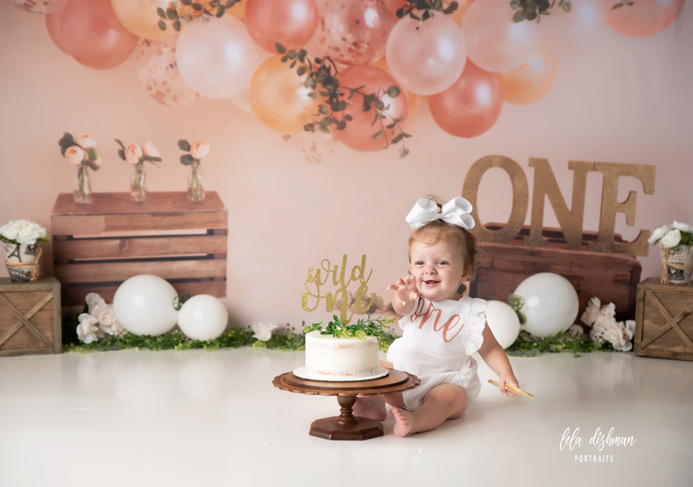 Kinley's First Birthday Cake Smash ~ Cake Smash Photography Monticello, Somerset KY