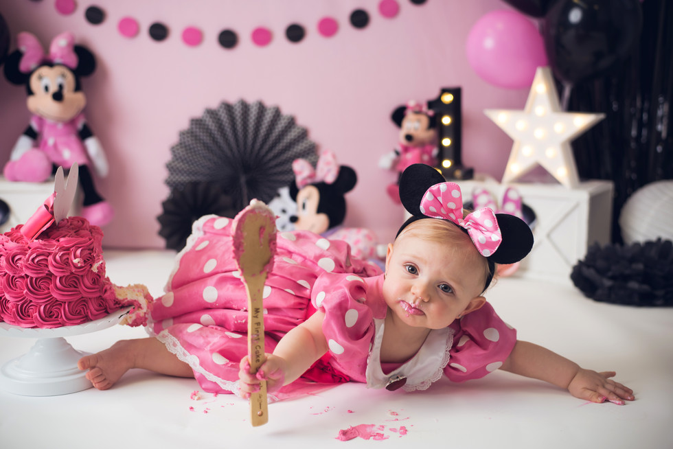 Lakelyn is one - First Birthday Cake Smash Photography - Monticello, Somerset KY