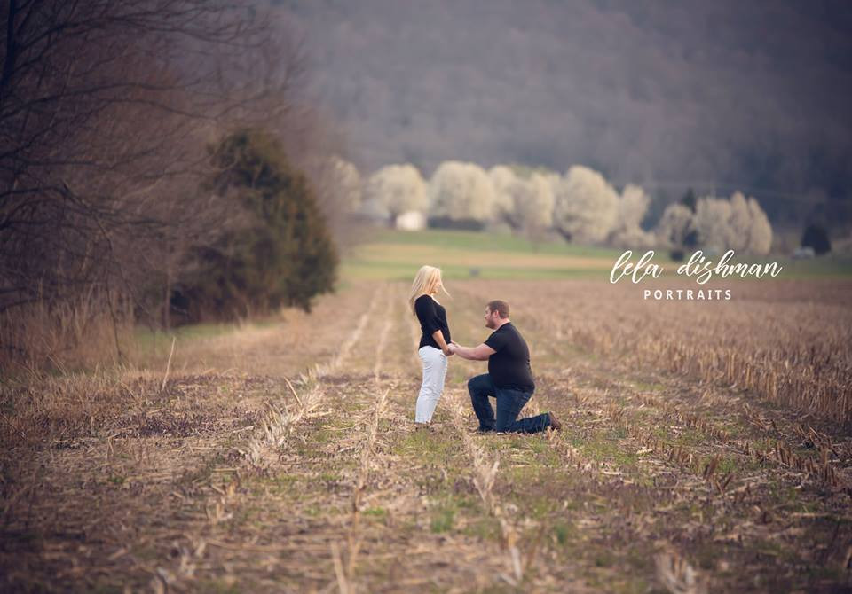 Cheyenne and Dustin Engaged {Somerset Monticello KY Engagement and Wedding Photographer}