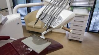 Madlo zubařské křeslo