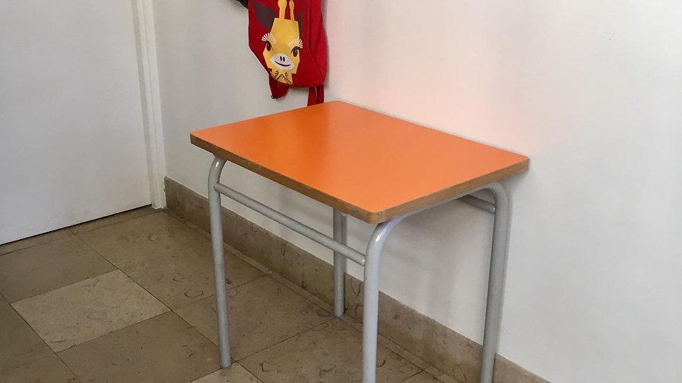 Petit bureau Formica BIC