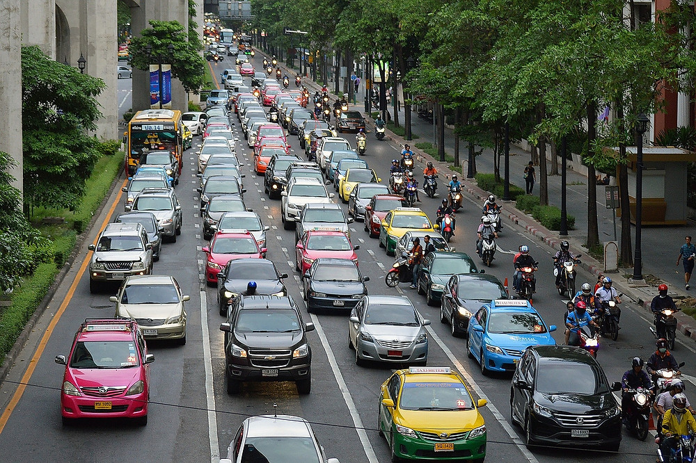 traffic jam which needs to be avoided when looking for an office space