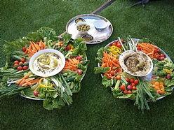 סעודה על הדשא.jpg2.jpg
