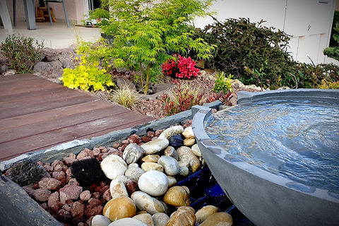 Fontaine d'eau moderne pour jardin