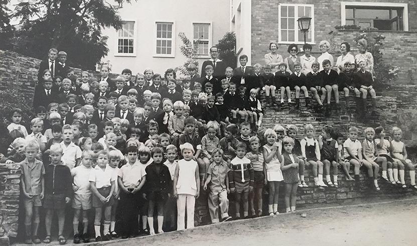 1971schoolGROUP_edited