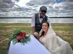 Kyle and Caitlin - Lake Broadwater- Dalb