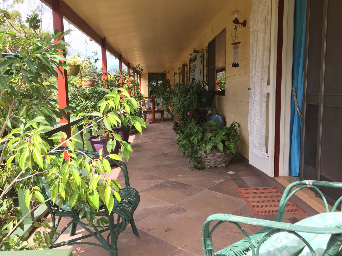 front porch - houe.jpg