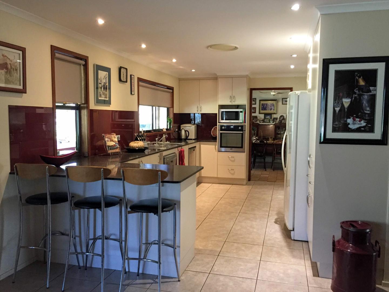 kitchen - house 1.jpg