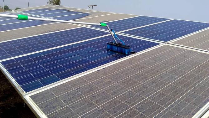 Porque devemos limpar os painéis solares