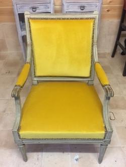 Restauration de chaise par votre tapissi