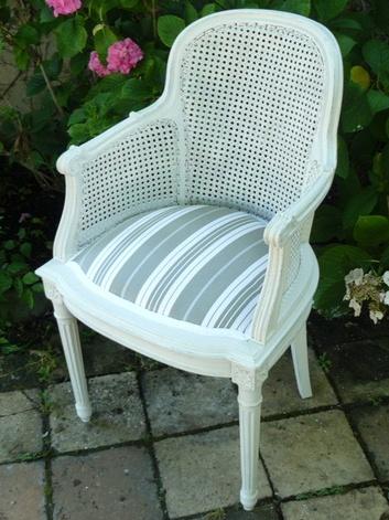 chaise_tapissée_restaurée_par_votre_artisan_tapissier_des_Alpes_Maritimes_06