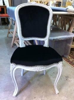Travail_de_notre_atelier_de_tapisserie_d'ameublement_a_Mougins_06_réfection_d'un_fauteuil