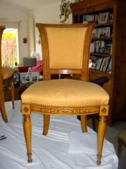 Travail_de_notre_atelier_de_tapisserie_d'ameublement_a_Mougins_06_réfection_d'un_chaise_tapissier
