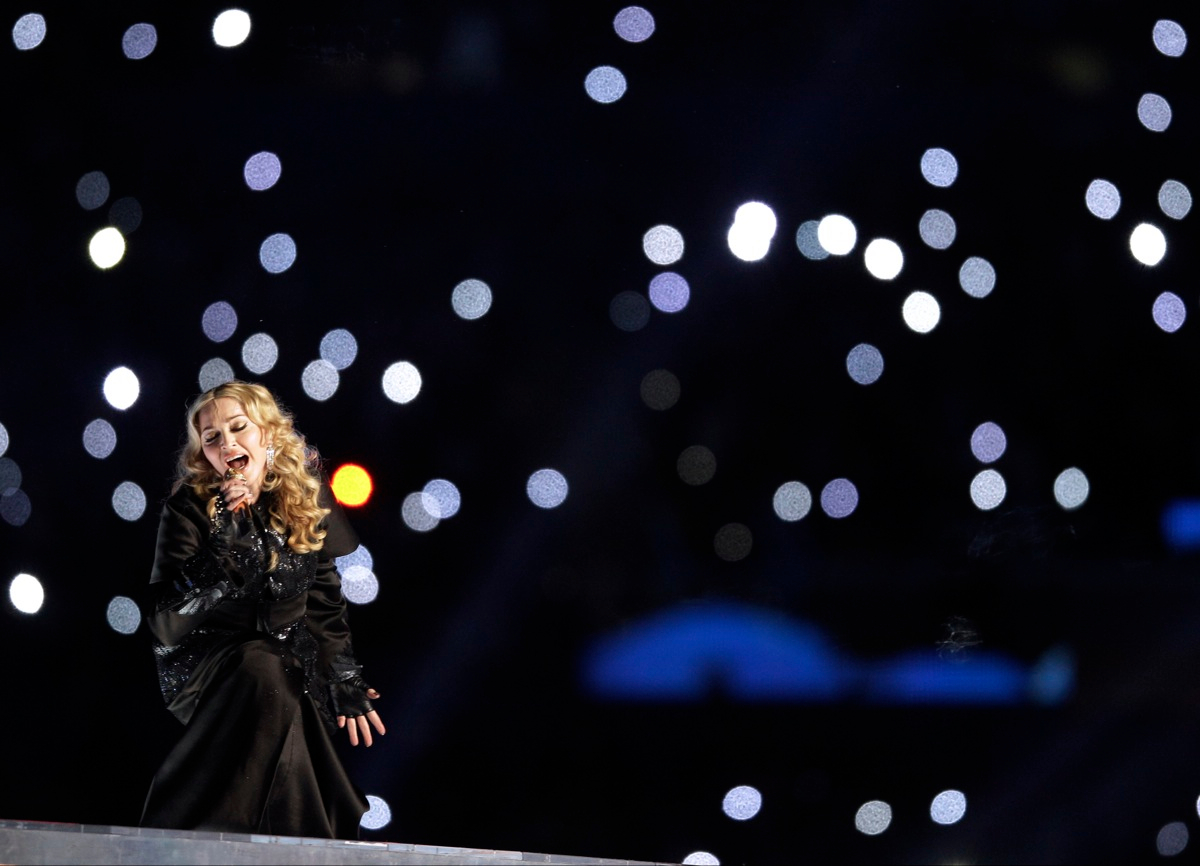 Madonna-Super-Bowl-Half-Time-Show-Performance-featuring-Nicki-Minaj-MIA-LMAO-Cee-Lo-Green-8