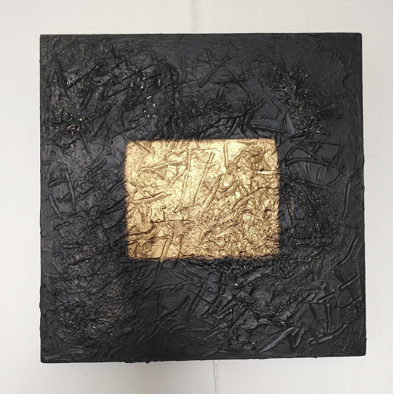 gold square.jpg