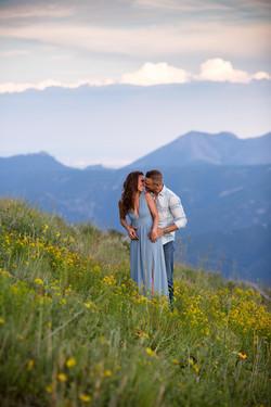 summer-engagement-photos-colorado