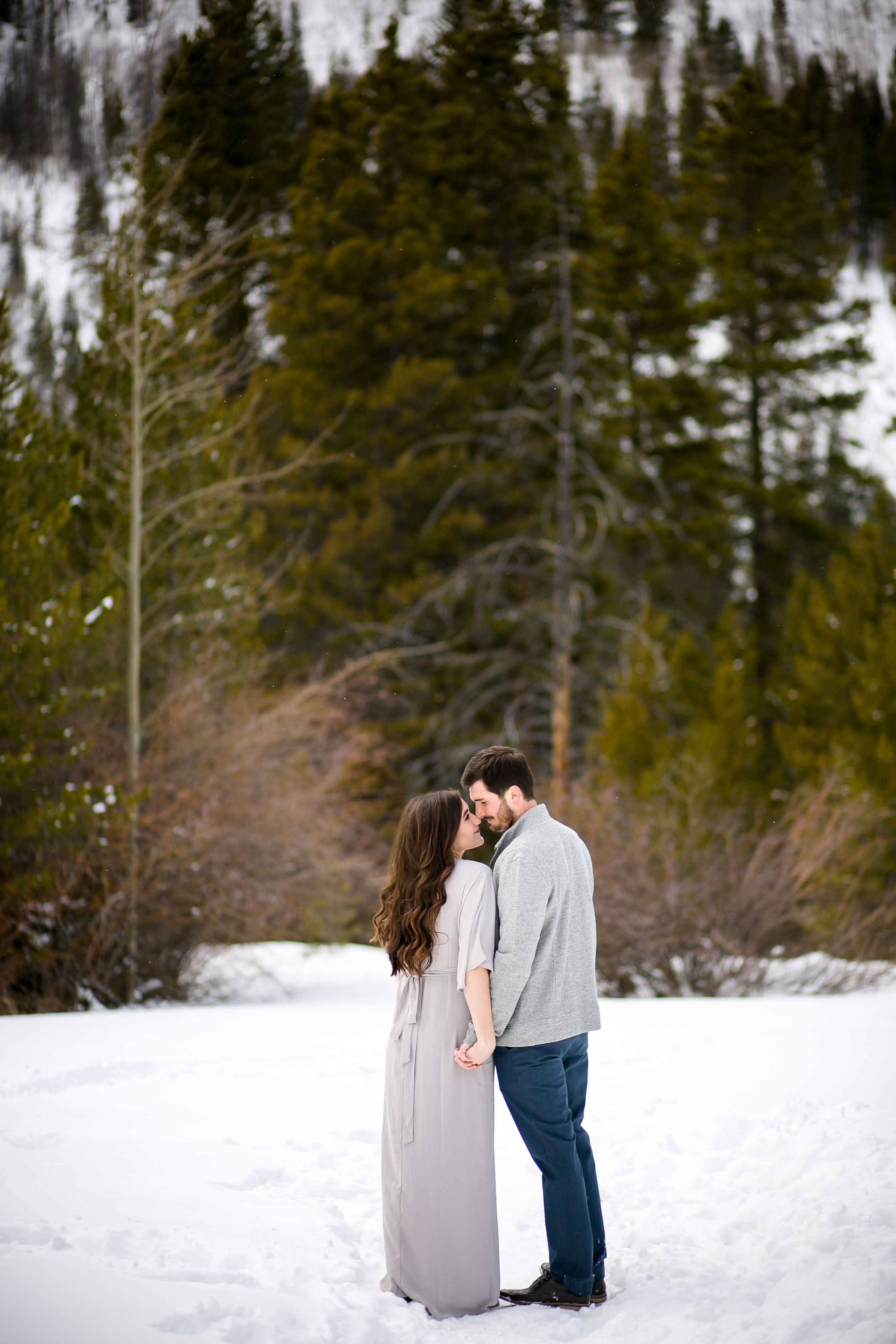 Colorado-Winter-Engagement-Photo