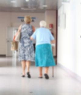elderly_corridor_doctor-603742.jpg