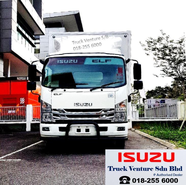 Isuzu Lorry Dsiplayed at Showrrom with Harga Murah