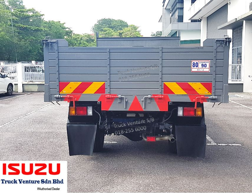 Isuzu Lorry 4 Ton