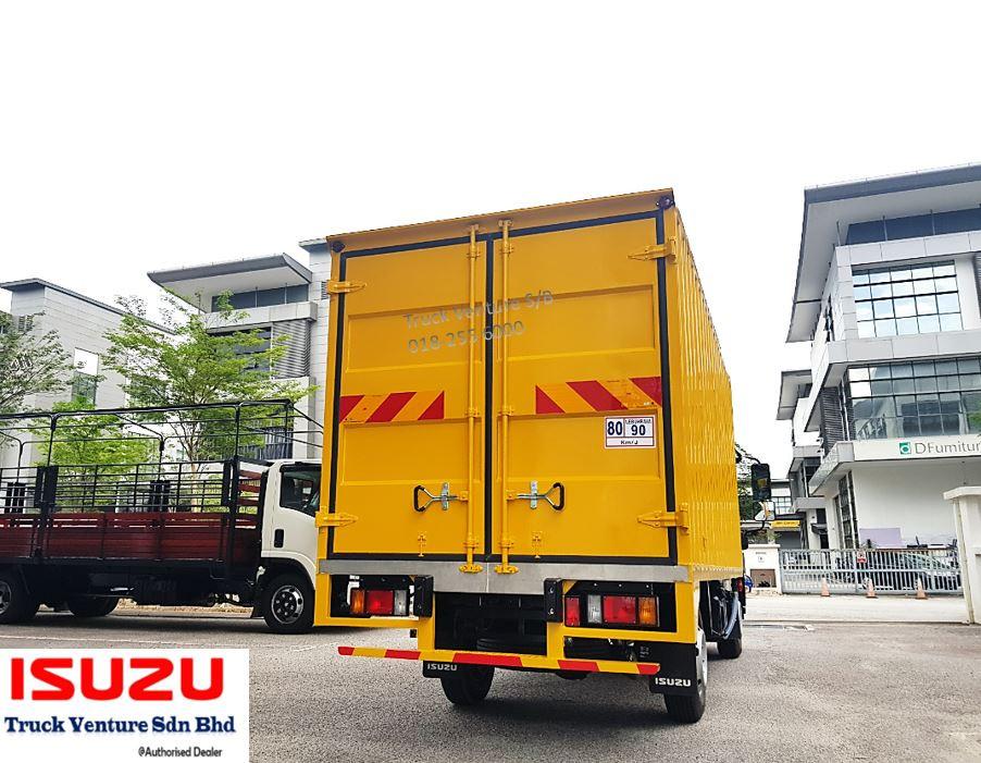 Yellow Container Box Lorry Isuzu